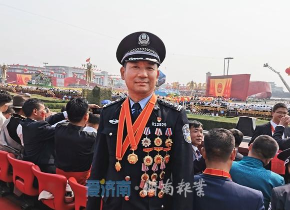 济报独家·国庆观礼中的济南面孔 特派记者对话张保国