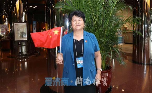 济报独家·国庆群众游行中的an365体育投注面孔 特派记者对话高淑贞