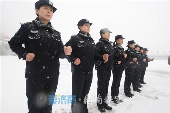 视频丨震撼!济南特警风雪大练兵